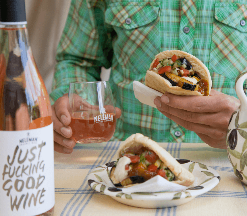 Pita-met-aubergine-Just-Fucking-Good-Wine-Rose